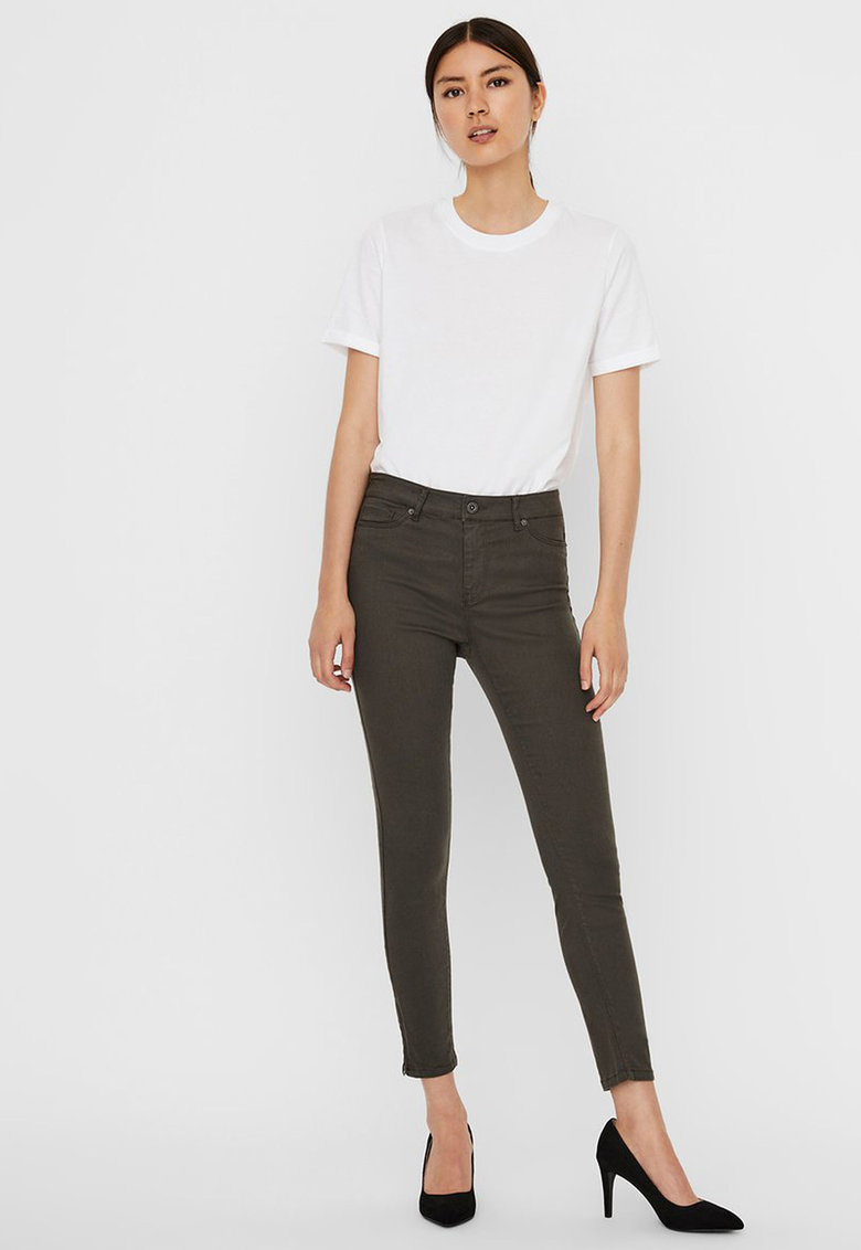 Pantaloni slim fit cu slituri cu fermoar la nivelul gleznei