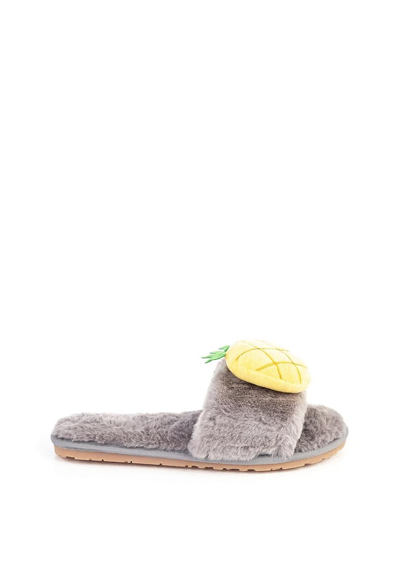 Papuci pufosi cu varf decupat si ananasi imagine fashiondays.ro