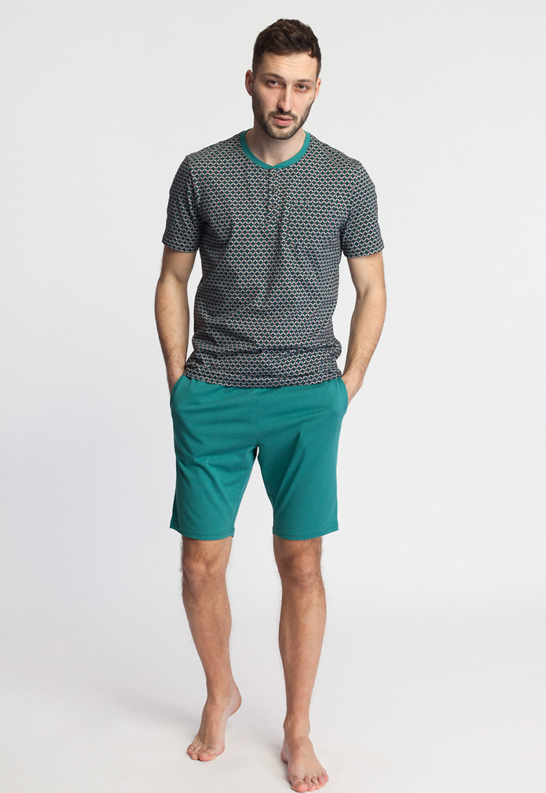 Pijama cu pantaloni scurti - cu imprimeu geometric Emil imagine fashiondays.ro