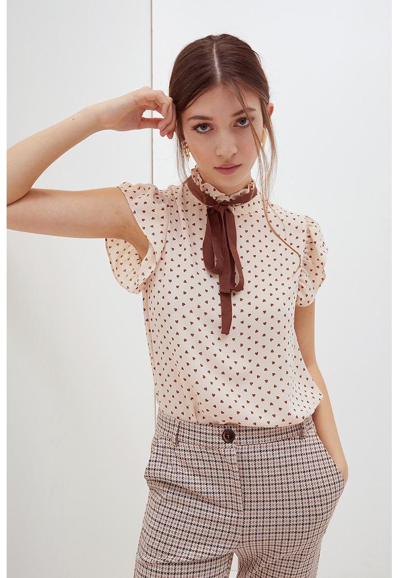 Bluza cu maneci scurte si funda din panglici imagine fashiondays.ro Motivi