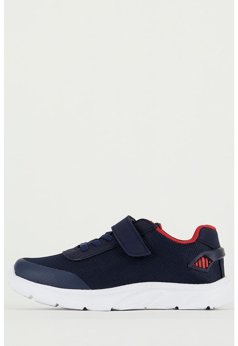 Pantofi sport de piele ecologica si plasa - cu velcro de la DeFacto
