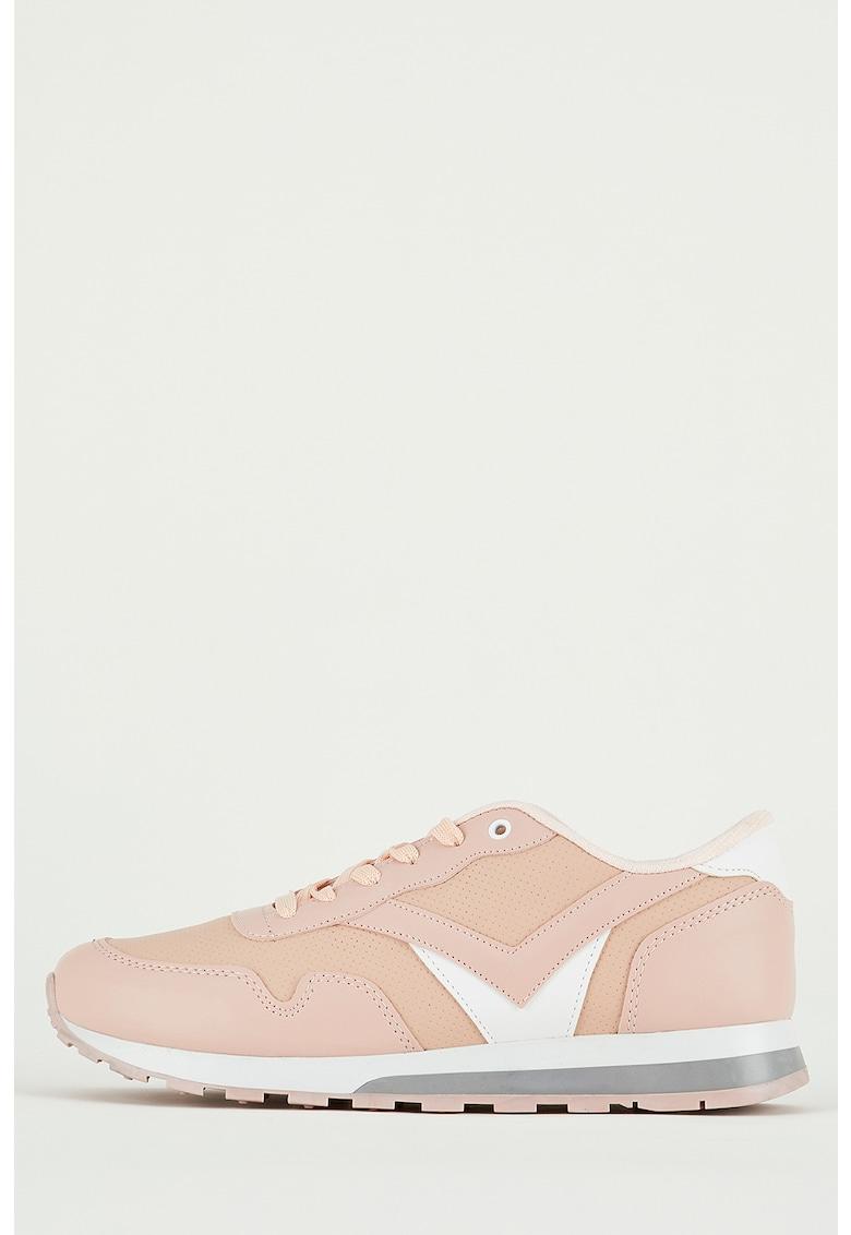 Pantofi sport de piele ecologica cu perforatii imagine fashiondays.ro
