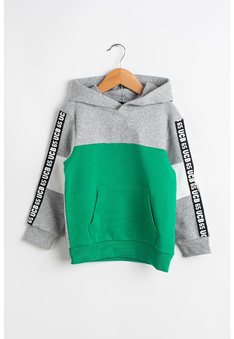 Hanorac cu model colorblock si benzi logo imagine fashiondays.ro