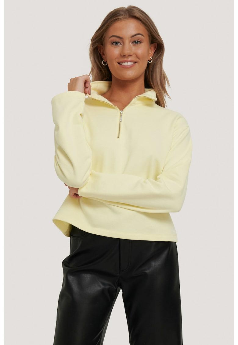 Bluza sport cu fenta cu fermoar imagine fashiondays.ro 2021