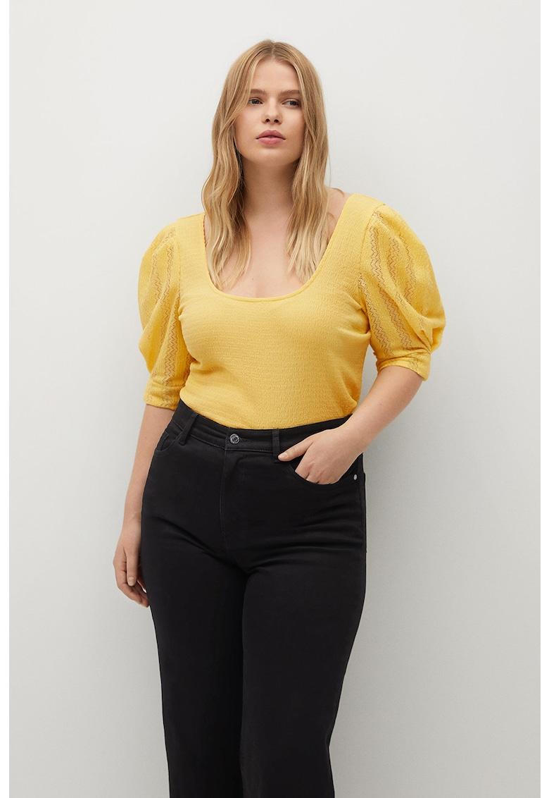 Bluza cu aspect sifonat si maneci bufante Emily imagine fashiondays.ro VIOLETA BY MANGO