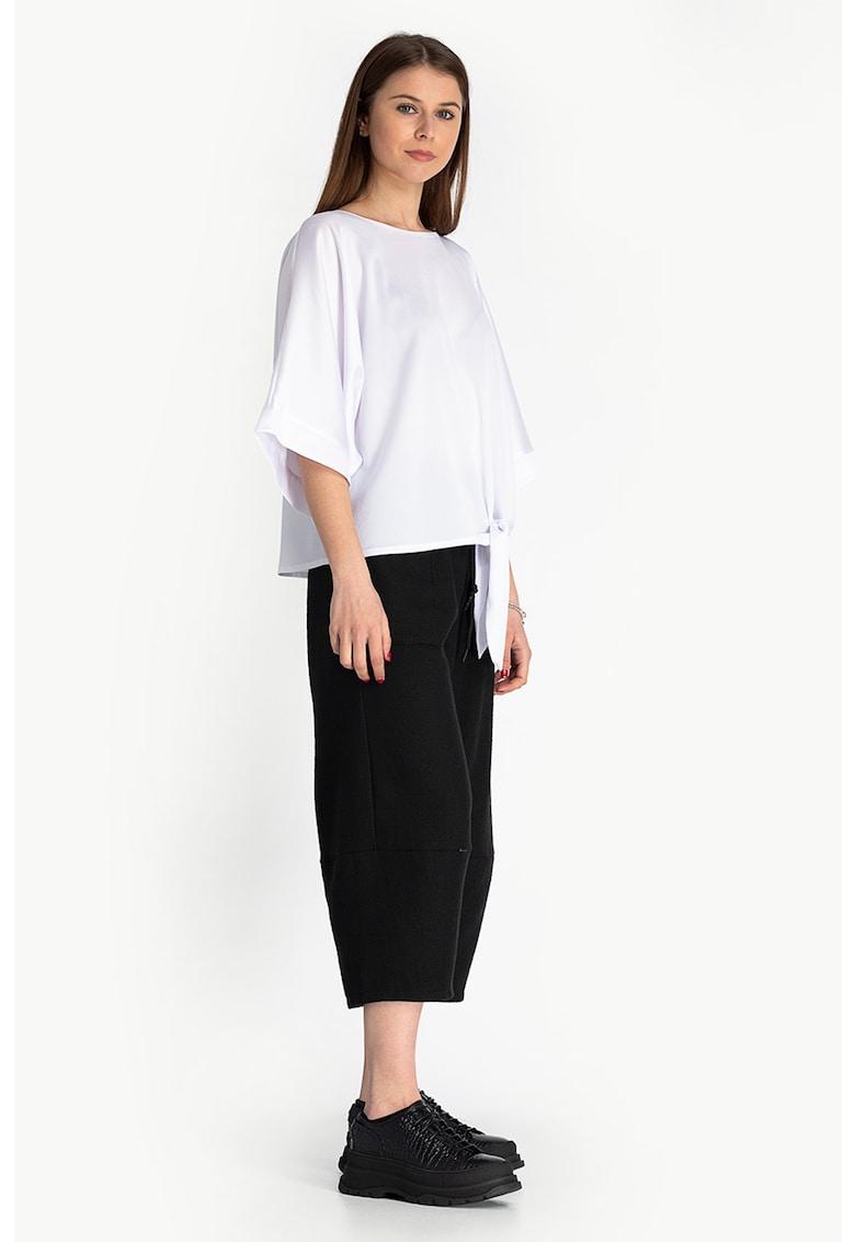 Bluza lejera cu nod imagine fashiondays.ro Antonia M