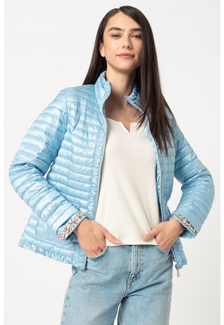 Jacheta usoara cu aspect matlasat si aplicatii cu strasuri imagine fashiondays.ro 2021