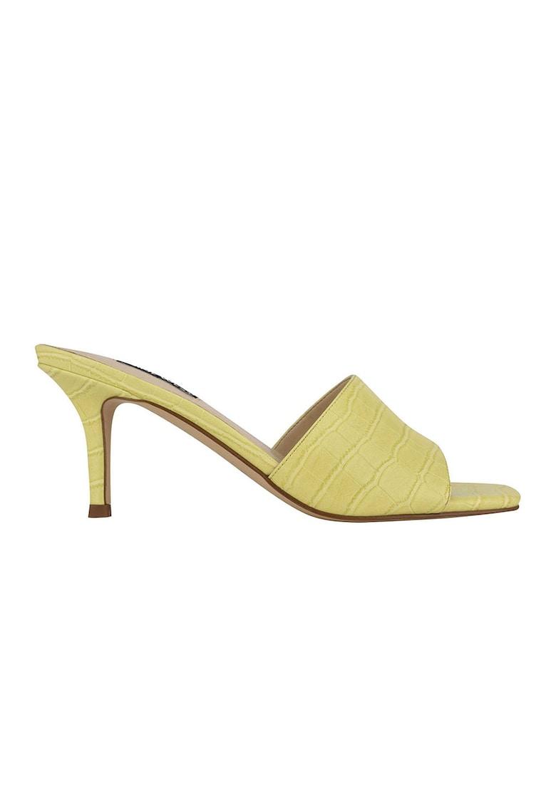 Papuci din piele ecologica cu toc si aspect de piele de crocodil Donna imagine fashiondays.ro 2021