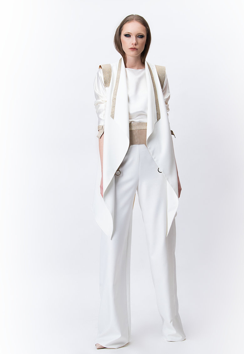 Vesta lunga asimetrica Samira imagine fashiondays.ro A&S Negulescu