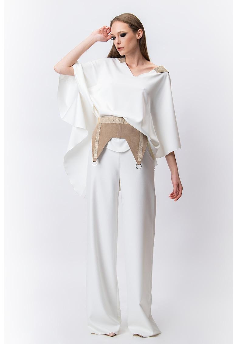Bluza asimetrica cu decolteu adanc in V Iris imagine fashiondays.ro A&S Negulescu