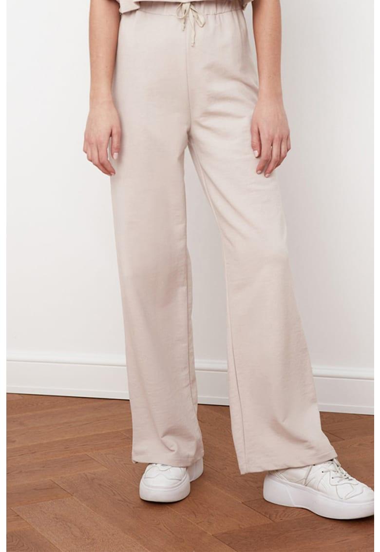Pantaloni sport cu croiala ampla si snur de ajustare in talie imagine fashiondays.ro