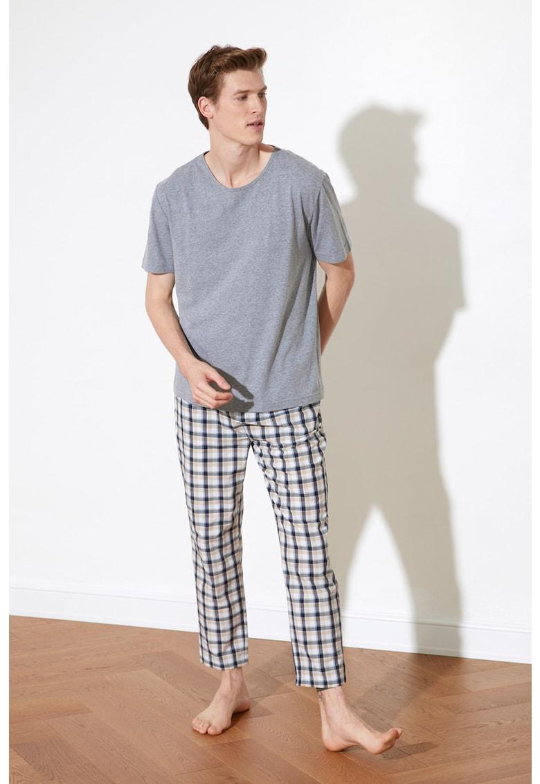 Pijama cu imprimeu in carouri