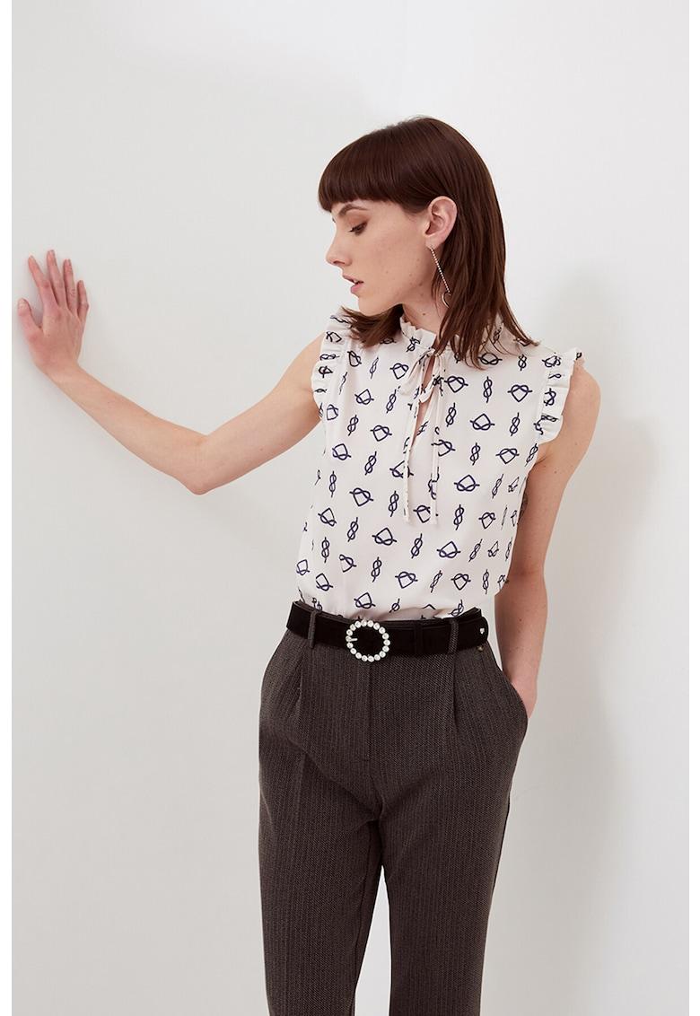 Bluza fara maneci cu model grafic imagine fashiondays.ro Motivi