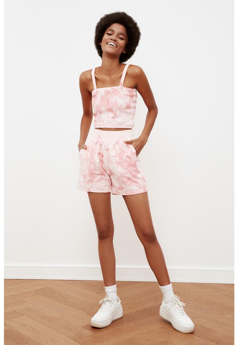 Set de top crop si pantaloni scurti - 2 piese imagine fashiondays.ro 2021