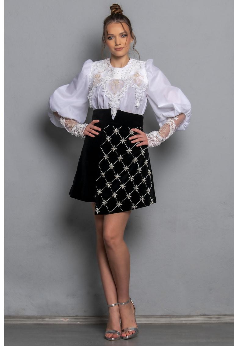 Bluza cu maneci bufante si detalii brodate Lorena imagine fashiondays.ro IE clothing
