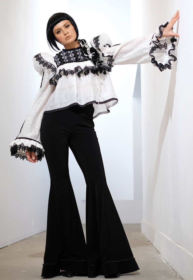 IE clothing Bluza lejera cu detalii brodate Rosalia