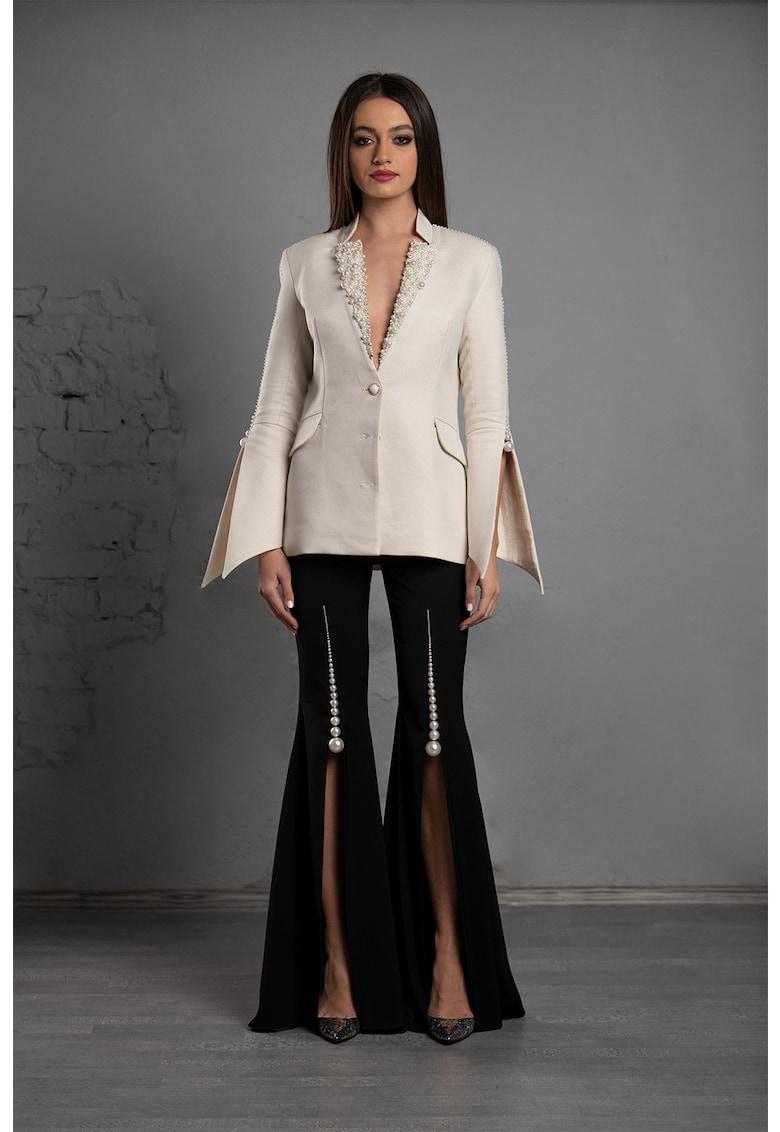 Sacou cambrat cu aplicatii de perle Luna imagine fashiondays.ro IE clothing