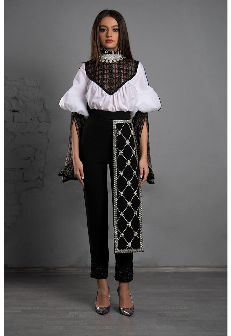 Sort traditional cu margele Joanna imagine fashiondays.ro IE clothing