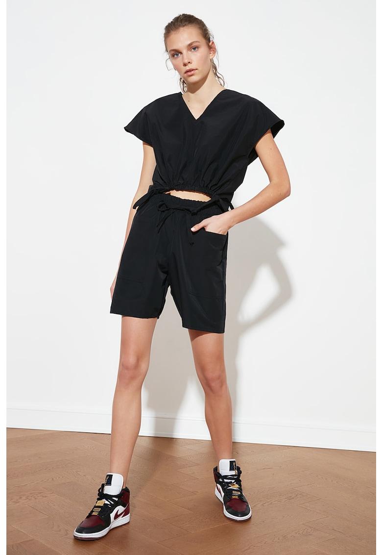 Set de tricou si pantaloni scurti de trening imagine fashiondays.ro 2021