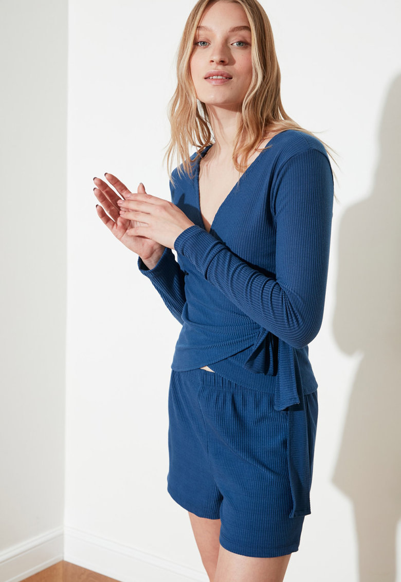 Pijama cu model petrecut imagine fashiondays.ro 2021