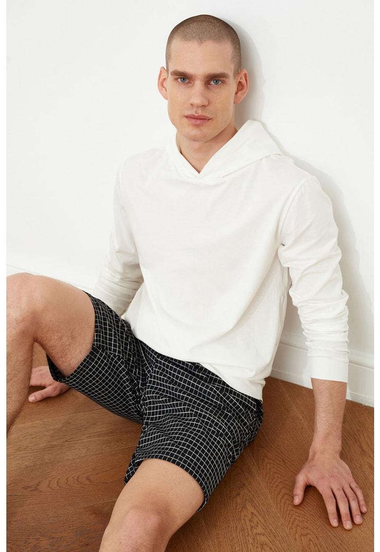 Pijama cu pantaloni scurti si bluza cu gluga