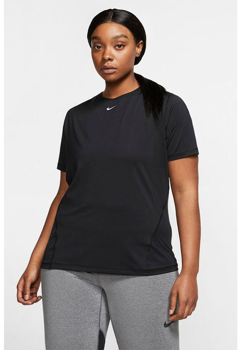 Tricou slim fit de plasa - pentru fitness Pro Plus Size imagine fashiondays.ro Nike