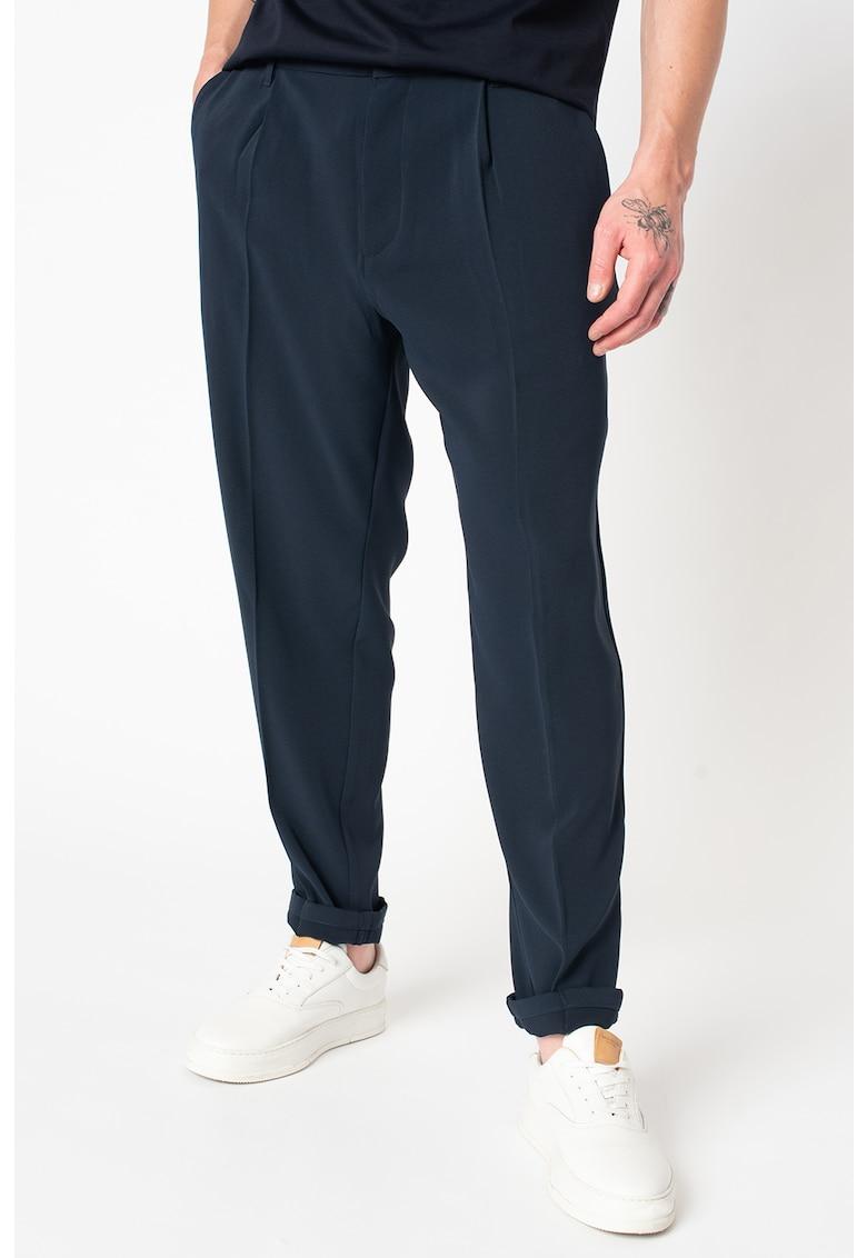 Pantaloni chino conici cu pliuri