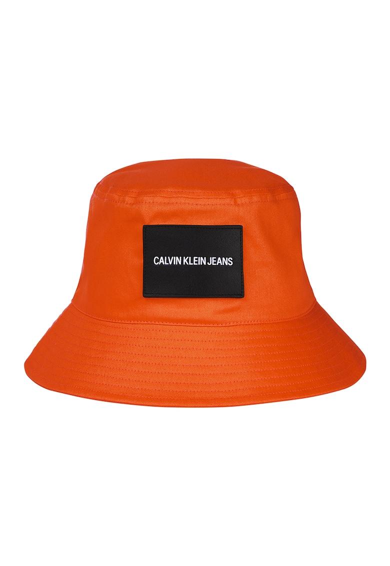 CALVIN KLEIN - Palarie bucket de panza cu aplicatie logo imagine fashiondays.ro 2021
