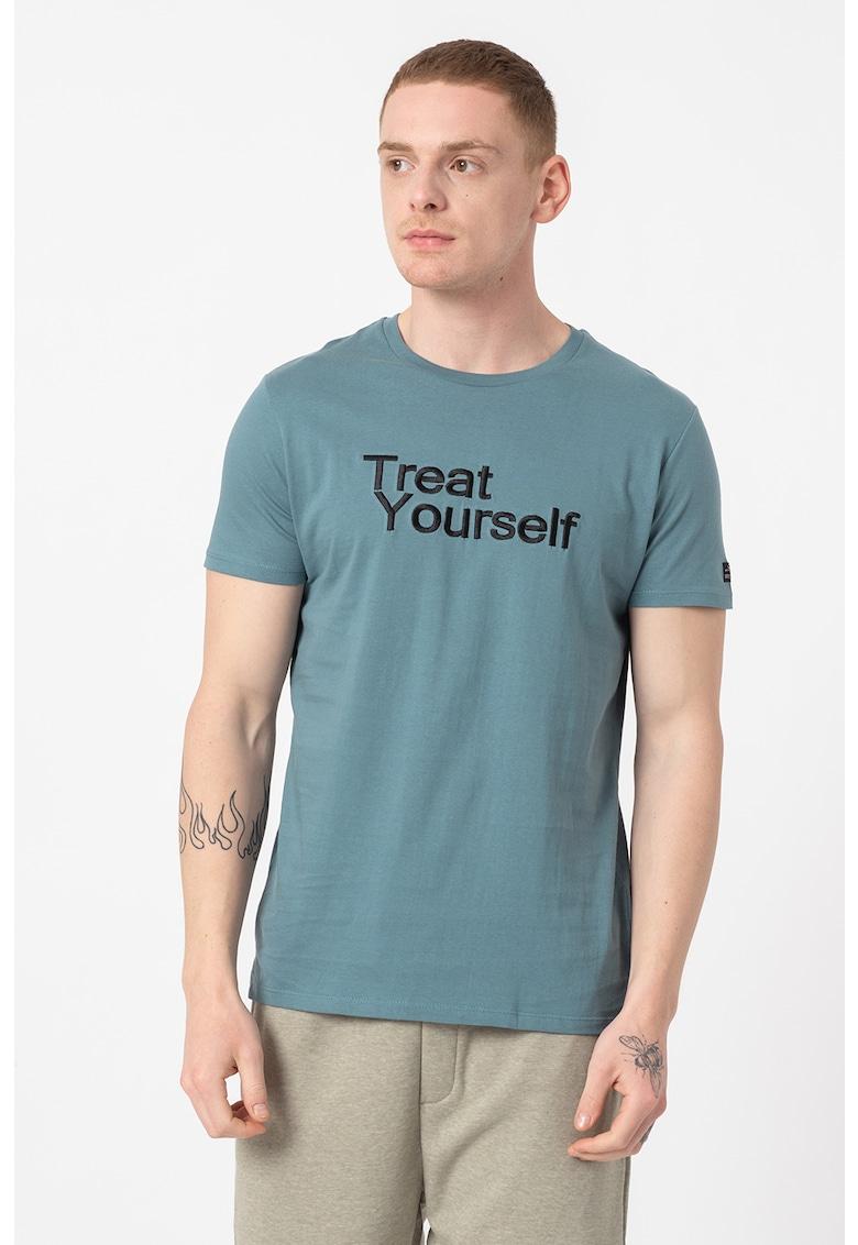 Tricou cu decolteu la baza gatului si imprimeu You