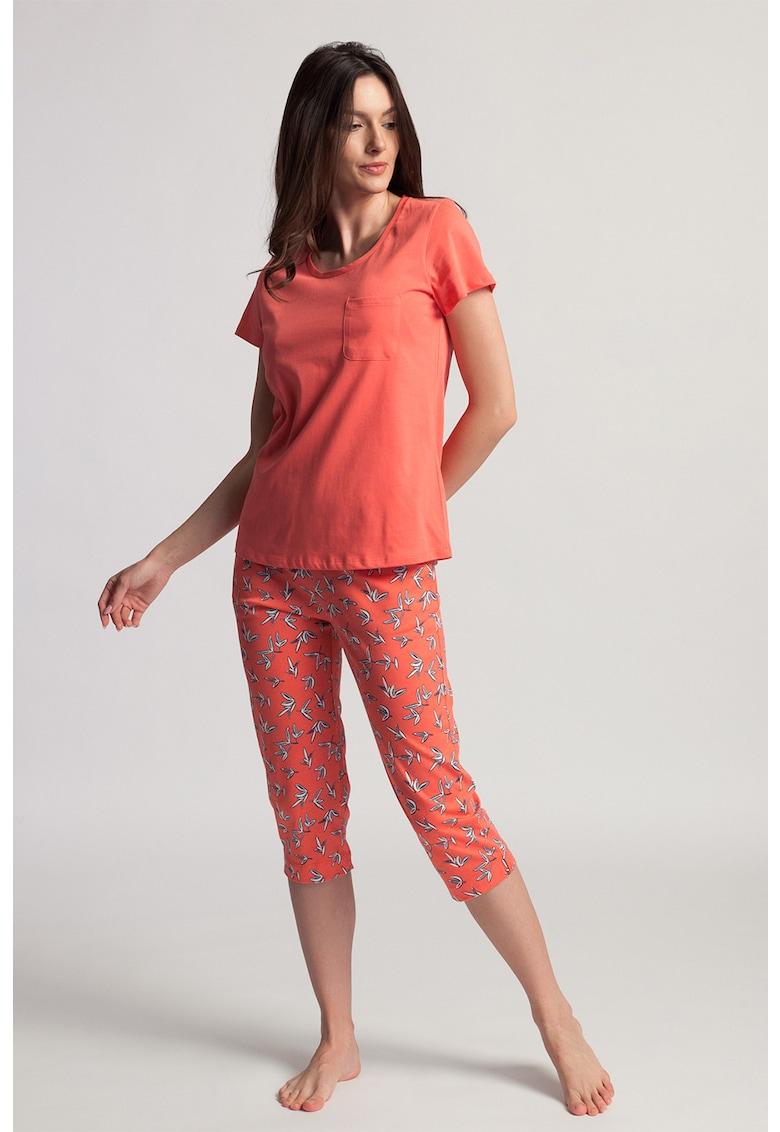 Pijama cu pantaloni capri Gabriela imagine fashiondays.ro 2021