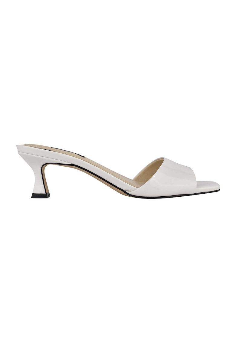 Papuci cu toc de piele ecologica cu aspect lacuit Indra