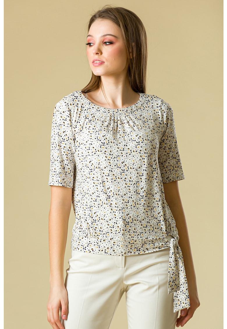 Bluza cu imprimeu floral si detaliu innodat imagine fashiondays.ro 2021