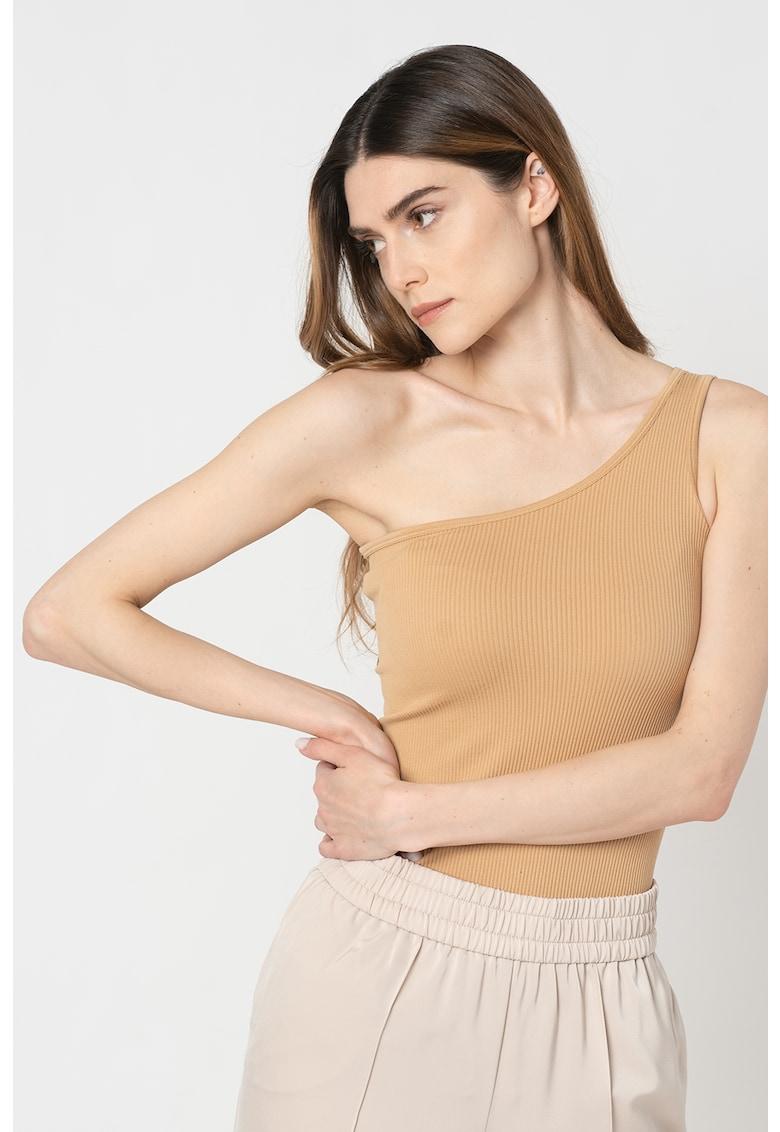 Body cu decolteu pe umar Milan imagine fashiondays.ro Vero Moda