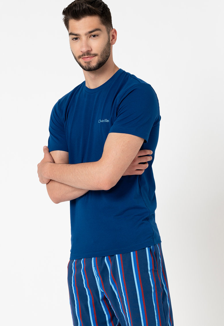 Pijama cu pantaloni scurti in dungi