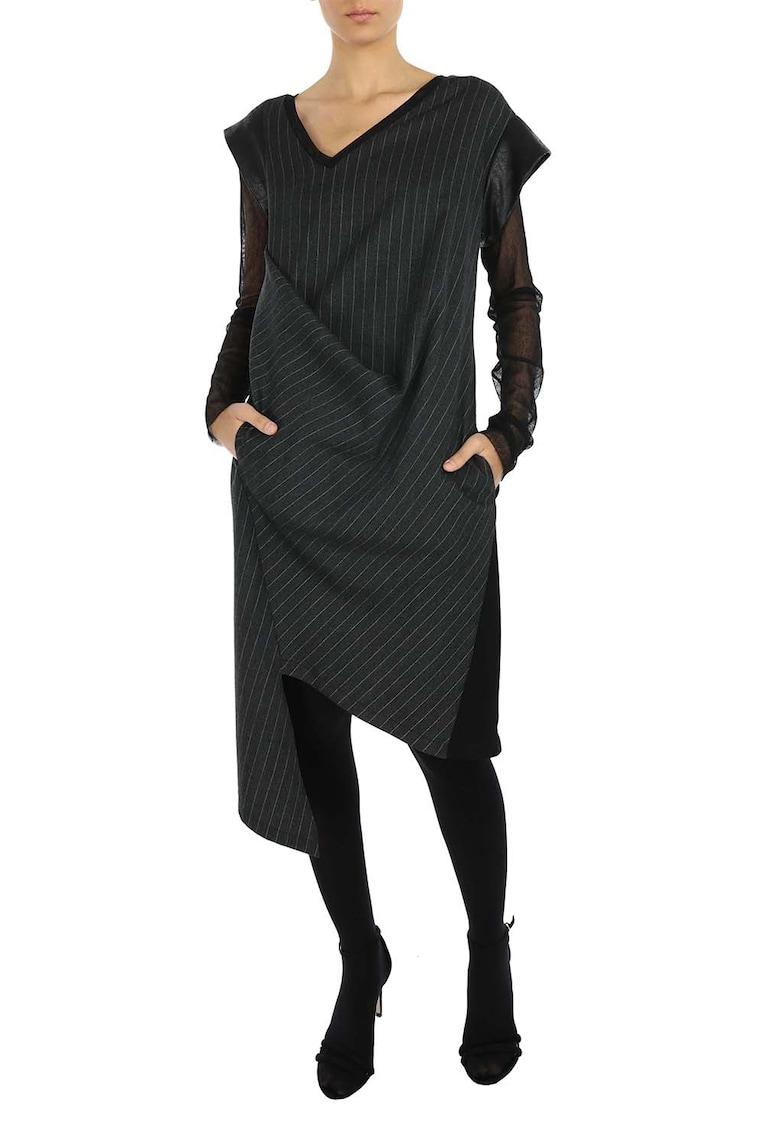 Rochie asimetrica cu maneci din plasa imagine fashiondays.ro Larisa Dragna