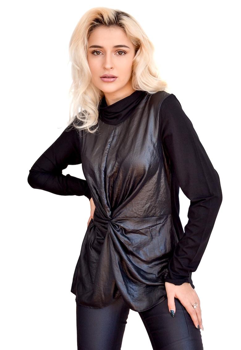 Bluza cu detaliu rasucit imagine fashiondays.ro Larisa Dragna