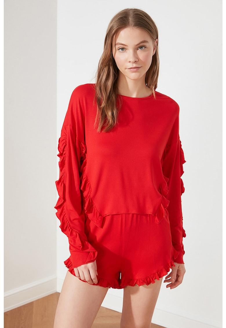 Bluza cu volane si pantaloni scurti de pijama imagine fashiondays.ro Trendyol