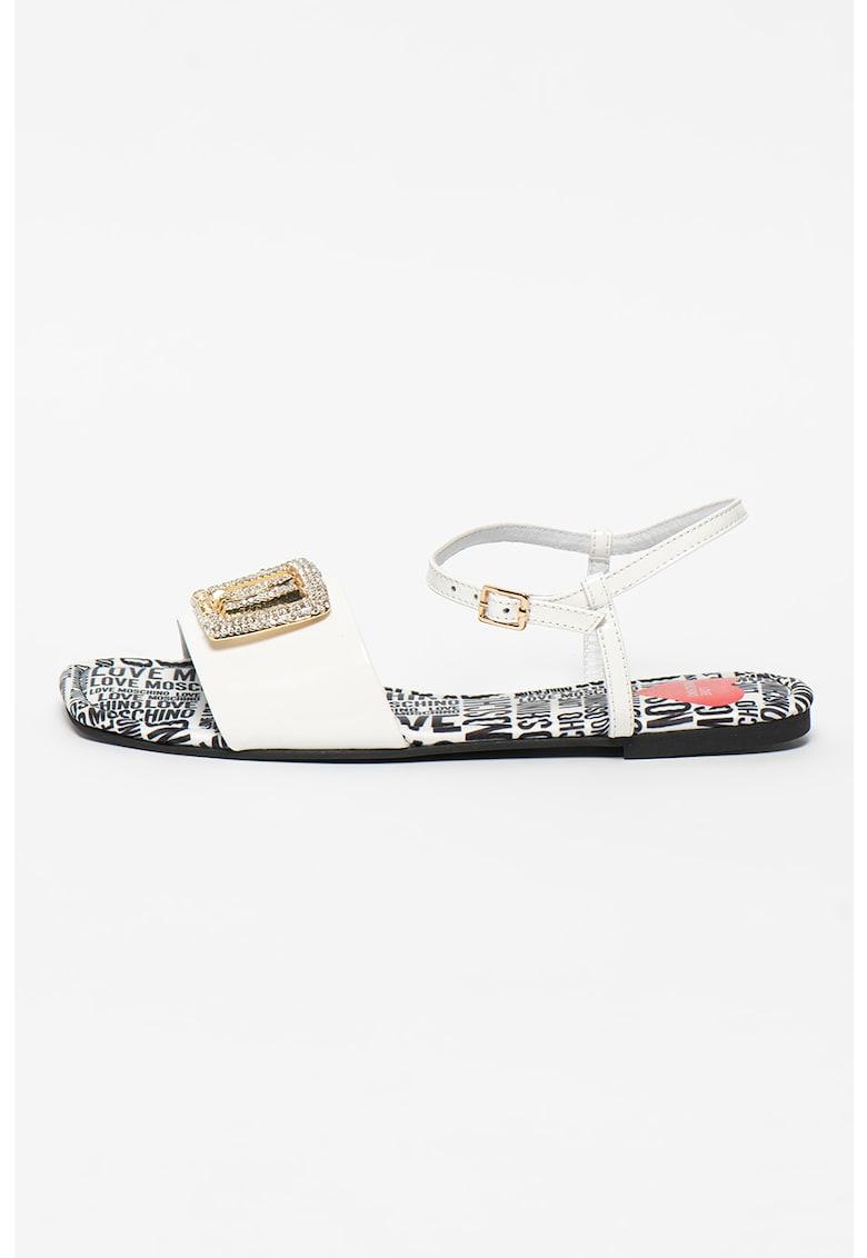 Sandale din piele lacuita cu aplicatii cu strasuri