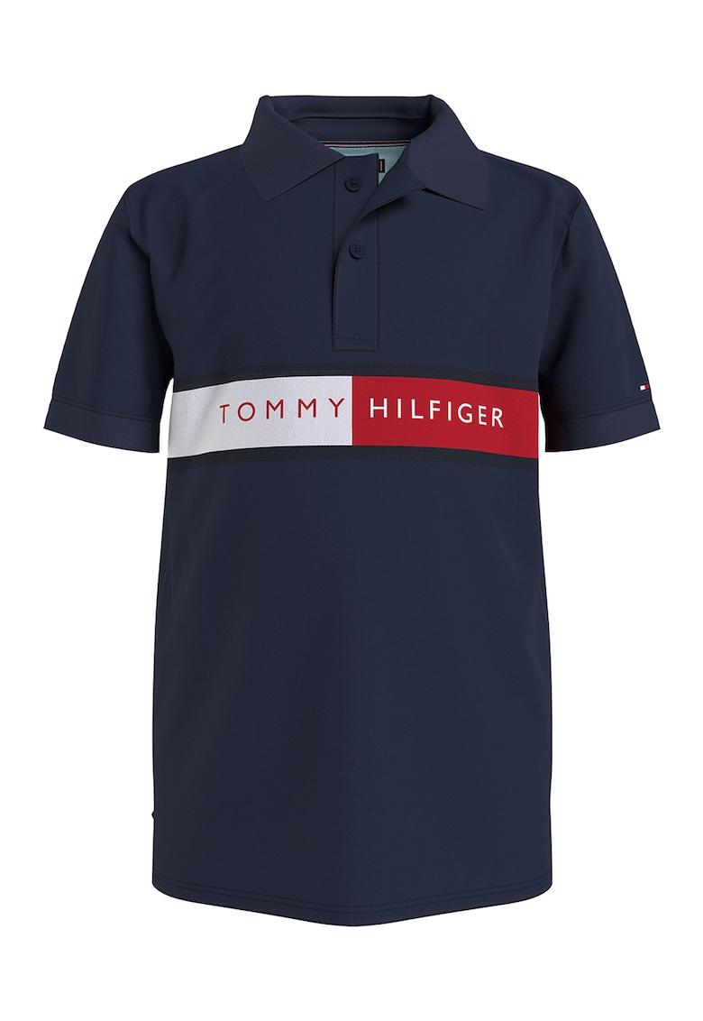 Tricou polo de bumbac organic cu imprimeu logo supradimensionat imagine fashiondays.ro Tommy Hilfiger