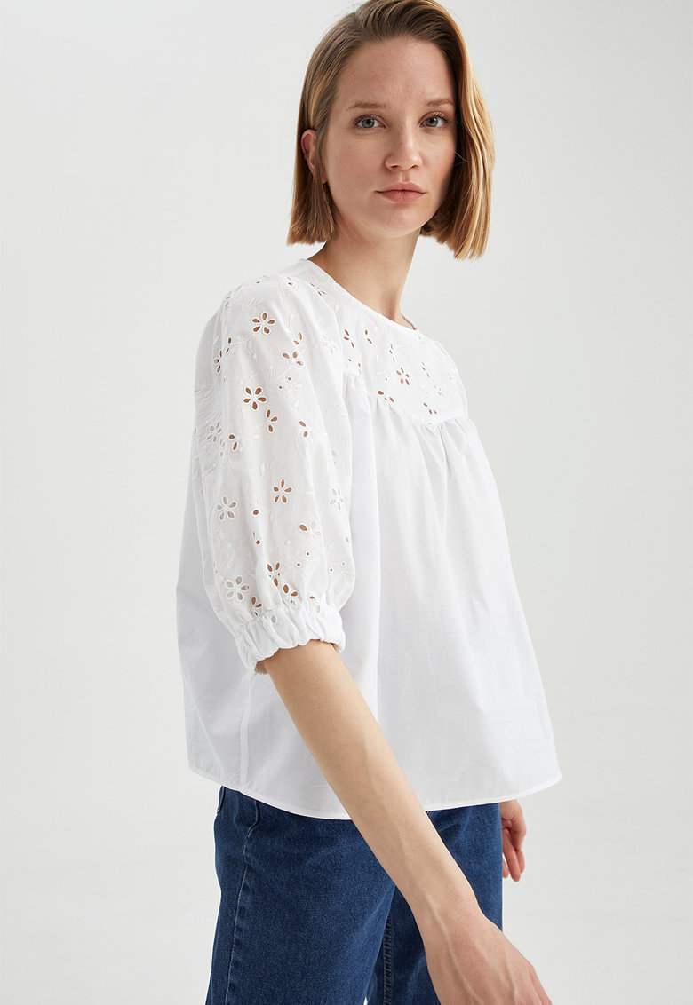 Bluza relaxed fit cu broderie Sangallo