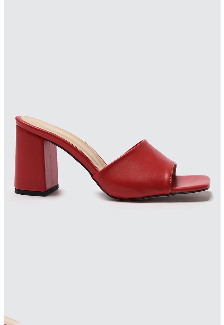 Papuci cu toc de piele ecologica