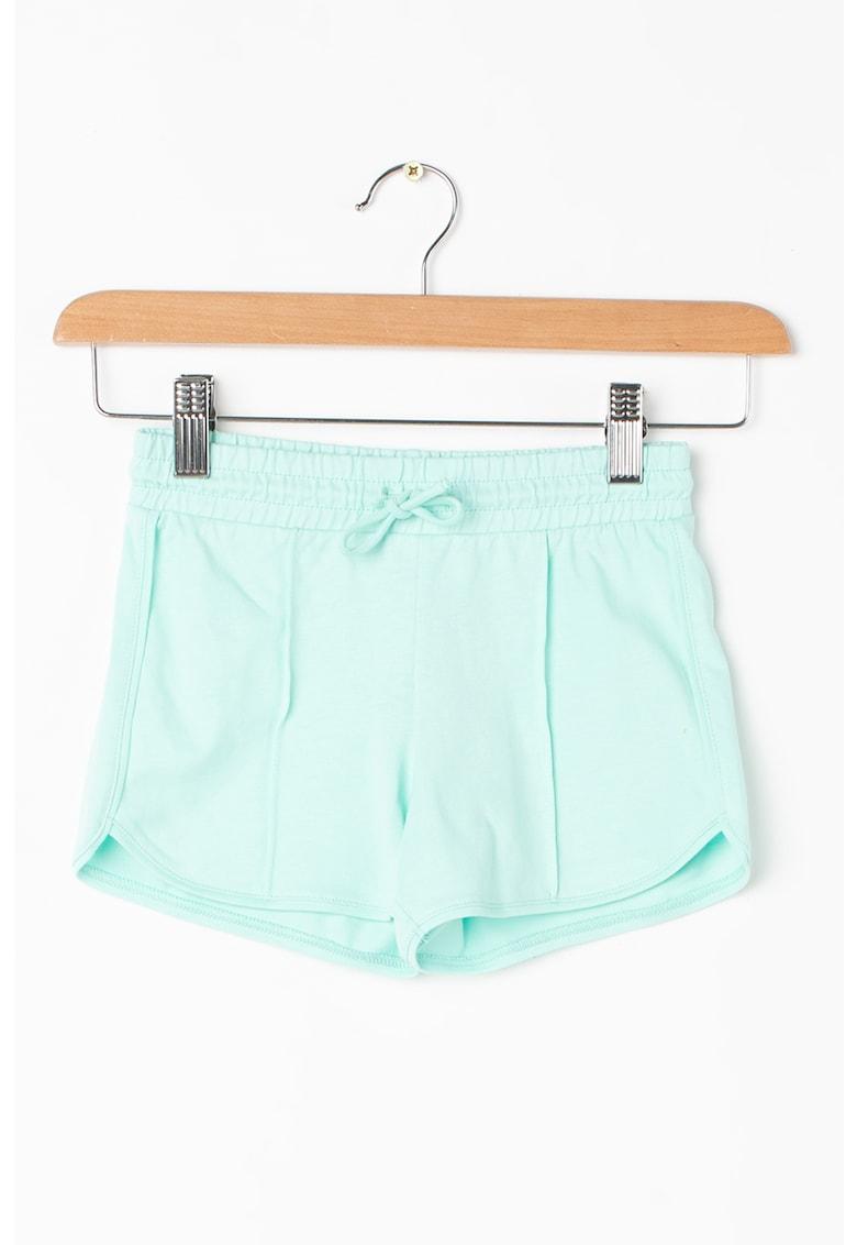 Pantaloni scurti cu snur pentru ajustare in talie de la United Colors of Benetton