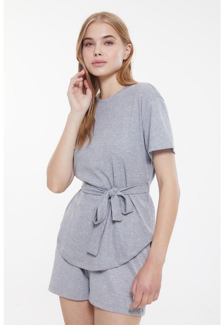 Pijama cu decolteu la baza gatului din jerseu
