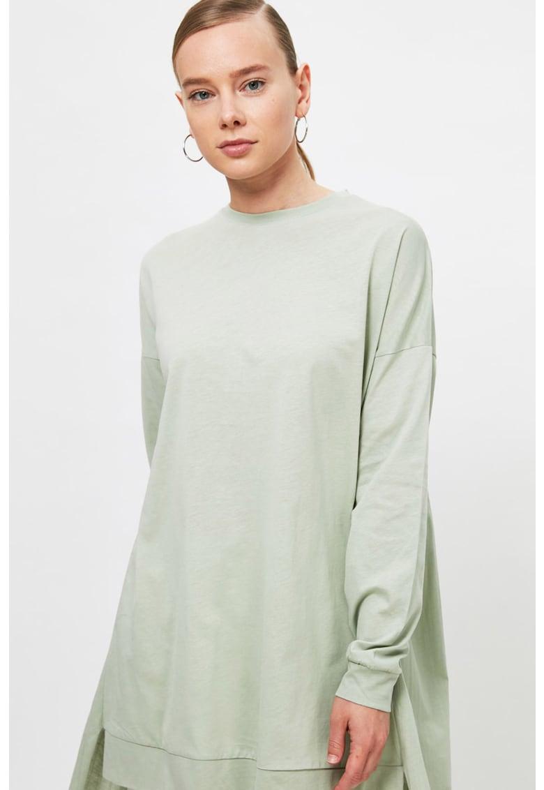 Bluza asimetrica cu umeri cazuti
