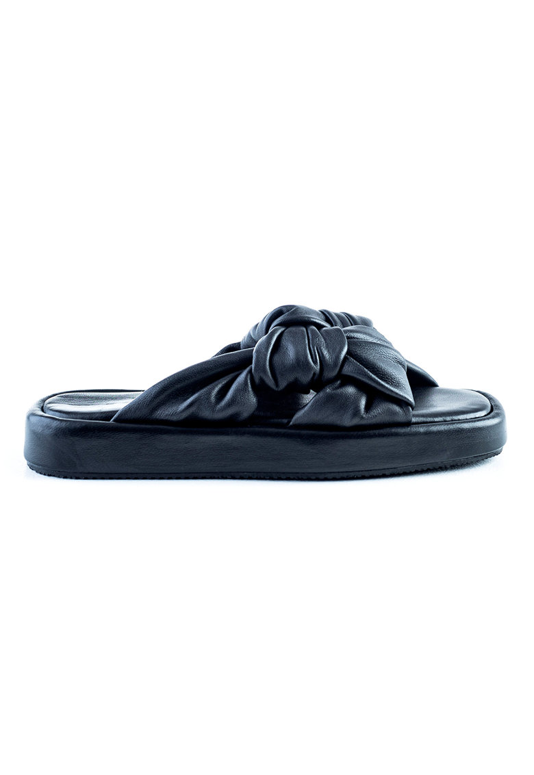 Papuci de piele cu detaliu innodat'
