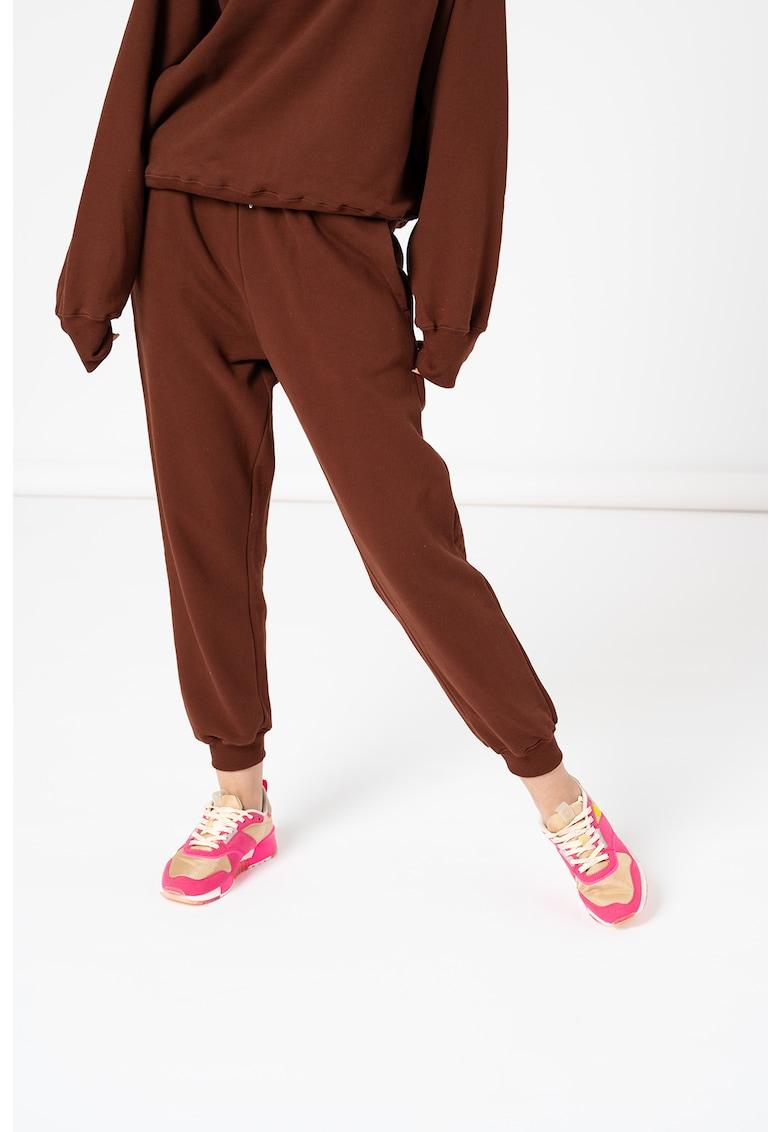 Pantaloni sport lejeri de bumbac organic