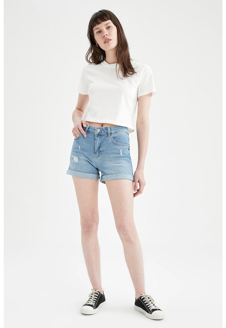 Pantaloni scurti din denim cu terminatii rasucite