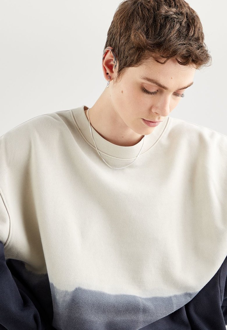 Bluza sport lejera cu model tie-dye