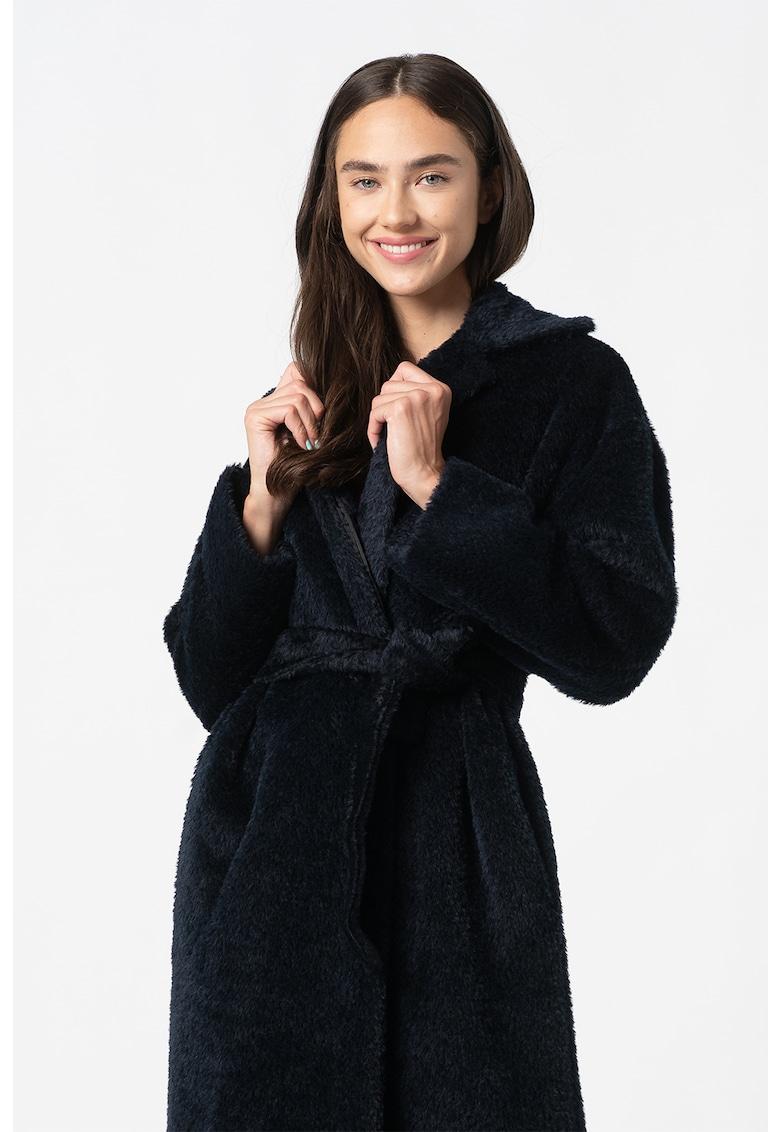 Palton din lana cu croiala petrecuta si cordon in talie