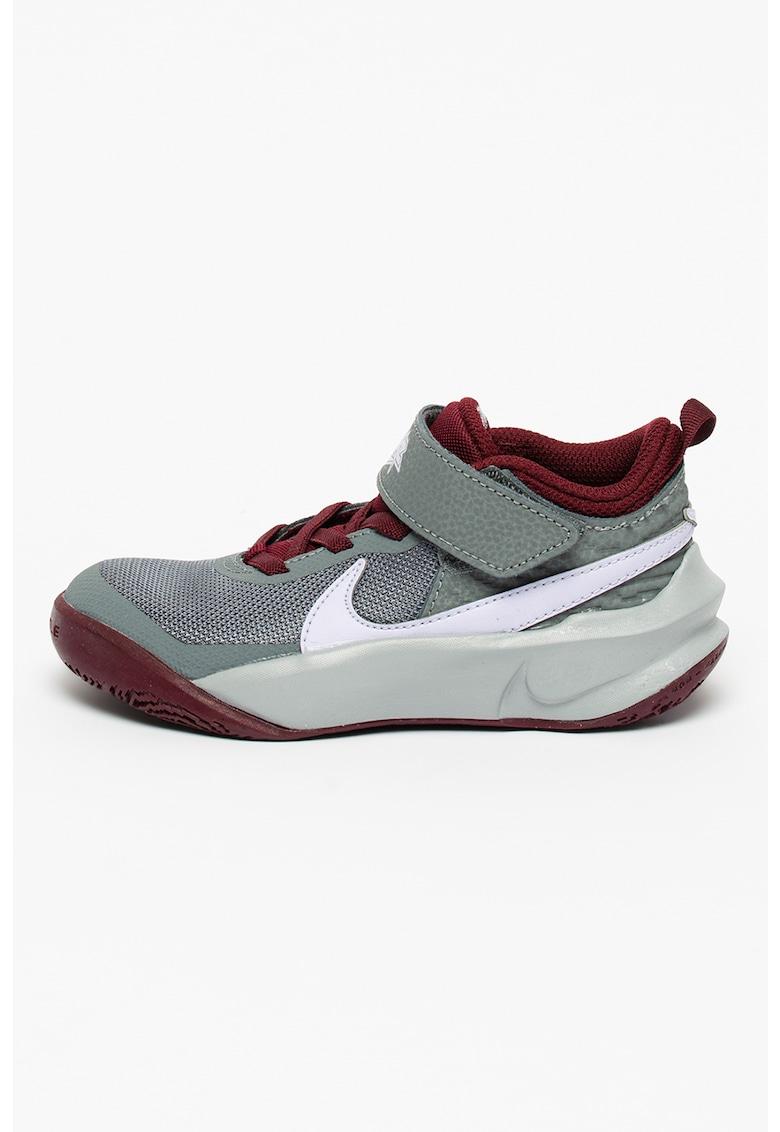Pantofi cu insertii de piele pentru baschet Team Hustle de la Nike